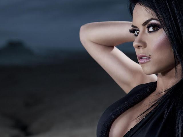 Romanian Singer Inna