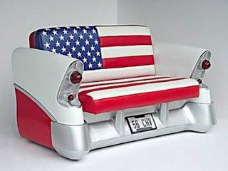 Unik, Aneka Meja Kursi dari Mobil Bekas