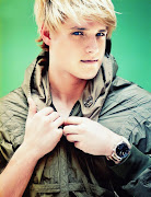 i LOOOOOVE PEETA MELLARK!!!!!!!!!!! He is the CUTEST PERSON EVER!
