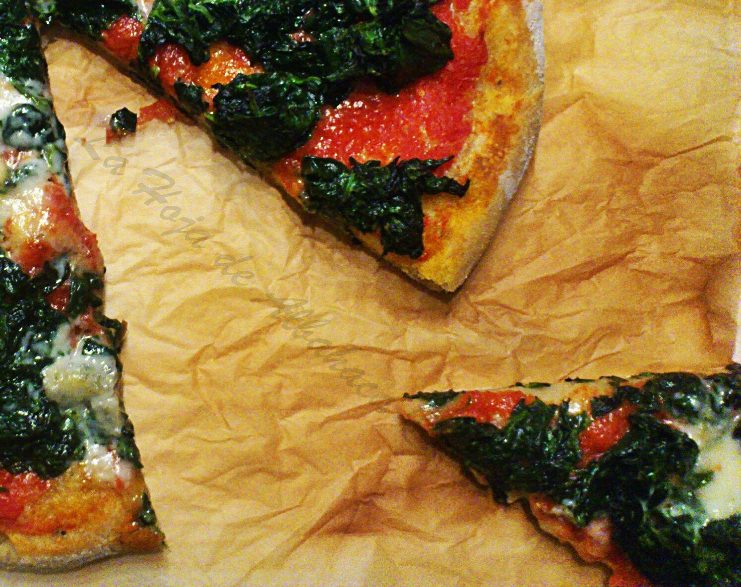 pizza, masa pizza, pizza de espinacas y gorgonzola, pizza casera