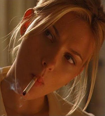Secret Celebrity Smokers :  britney nicky antonio winslet