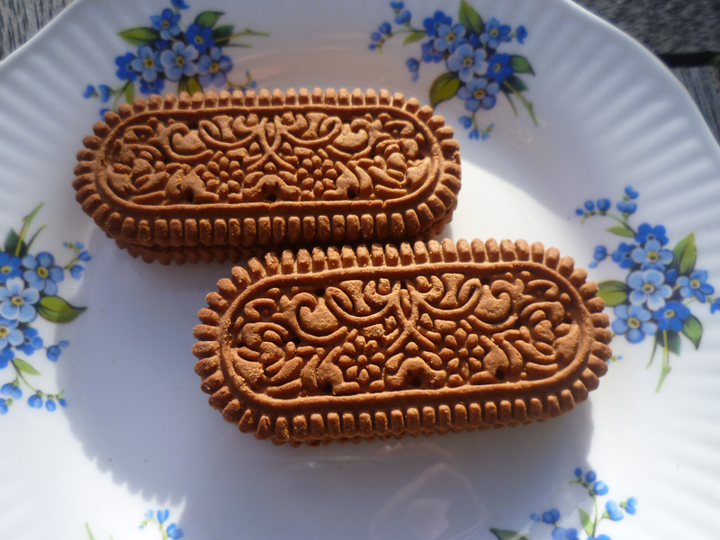 Why can't Brits do chocolate biscuits