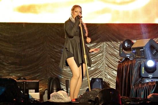 Konsert Mariah Carey di Stadium Merdeka Terbakar Dalam Hujan