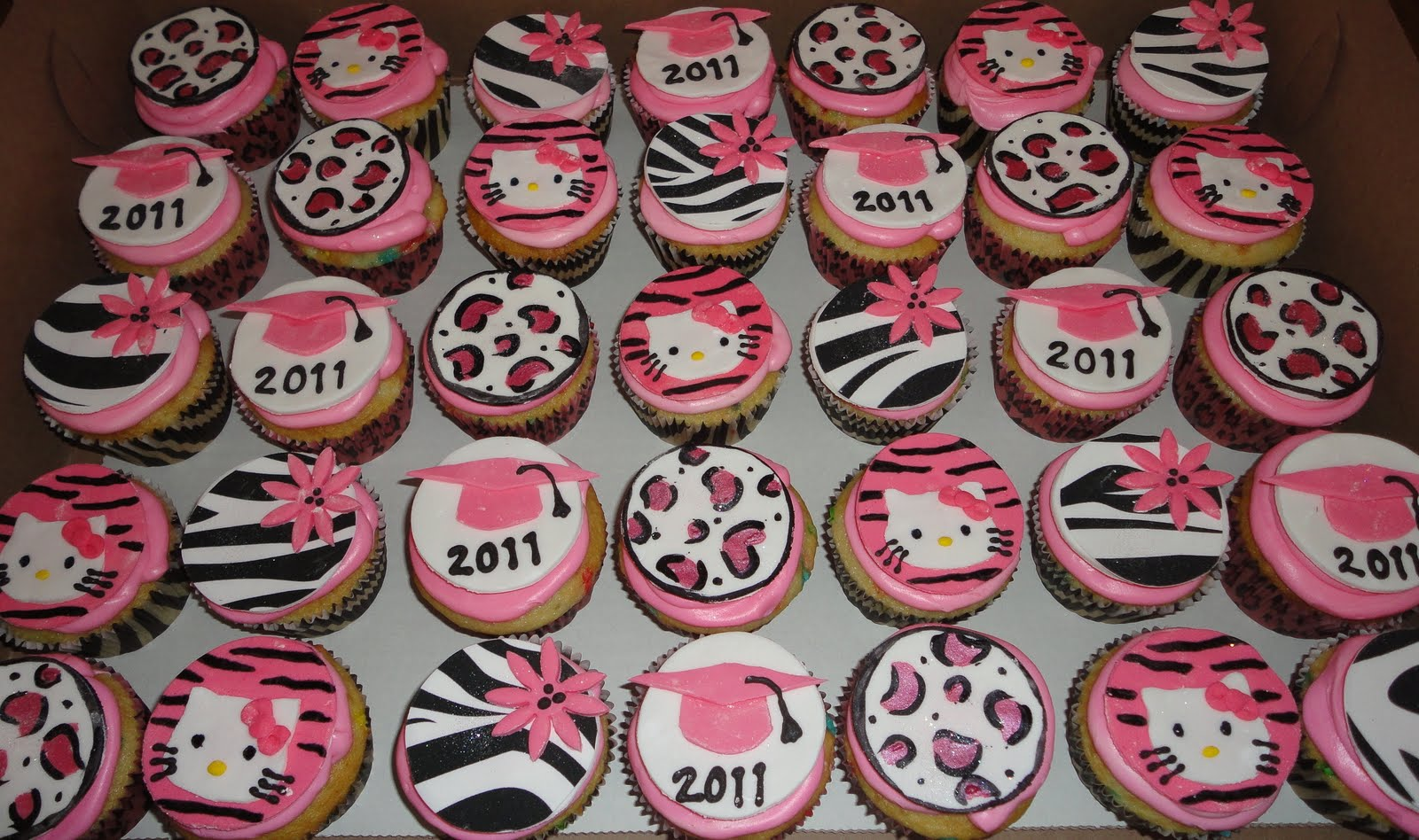 Pink Sugar Cupcakes: Hello Kitty Graduation Cake
