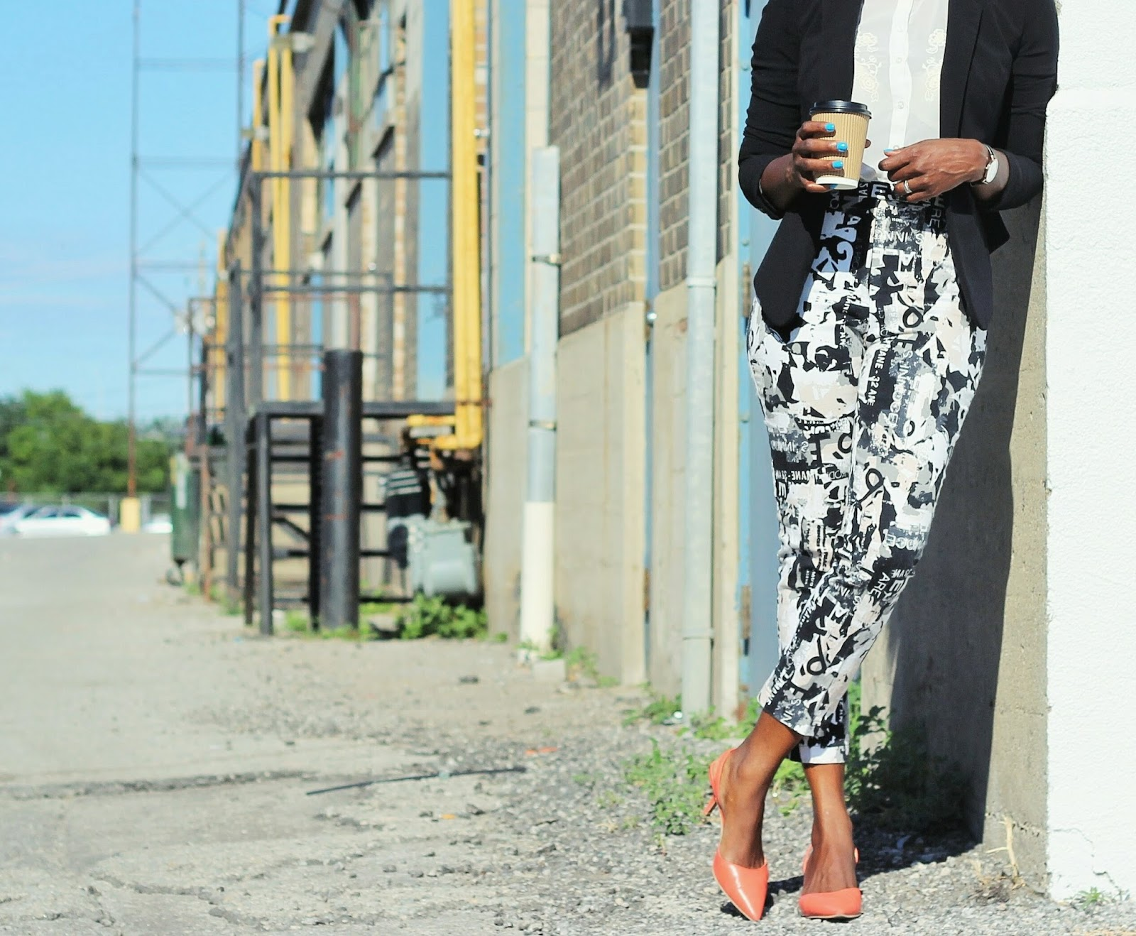BUSINESS LOOK: HIGH WAISTED PANTS + BLAZER