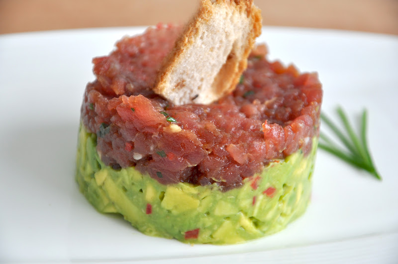 tuna tartare guacamole asian tuna tartare tuna tomato and basil ...