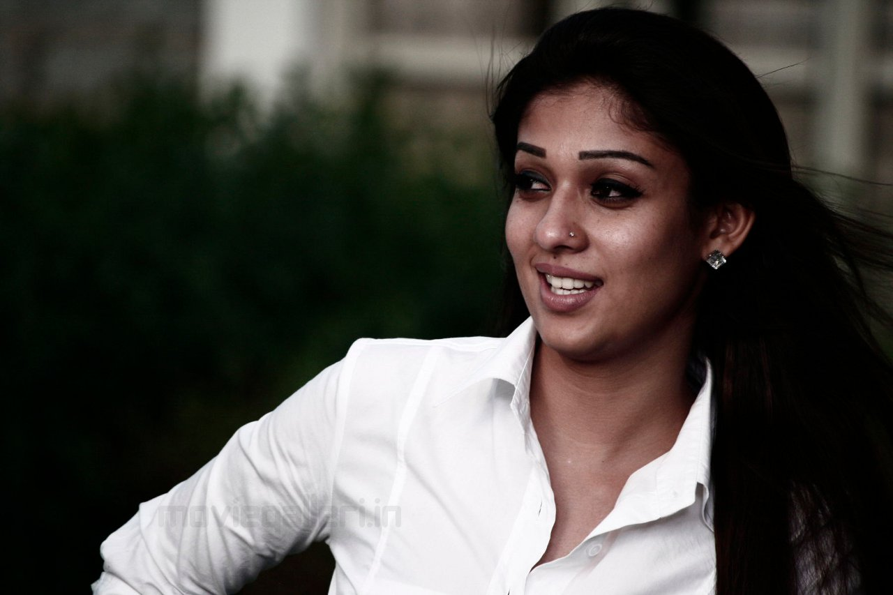 nayanthara cute photo shoot stills images gallery