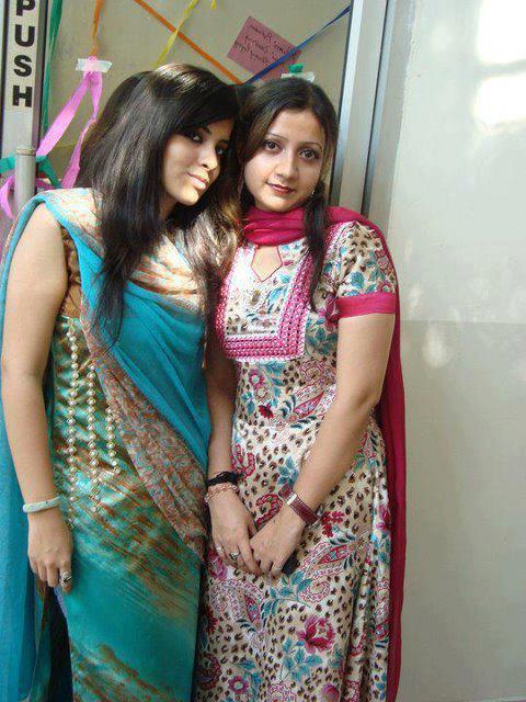 Beautiful Naughty pakistani Girls