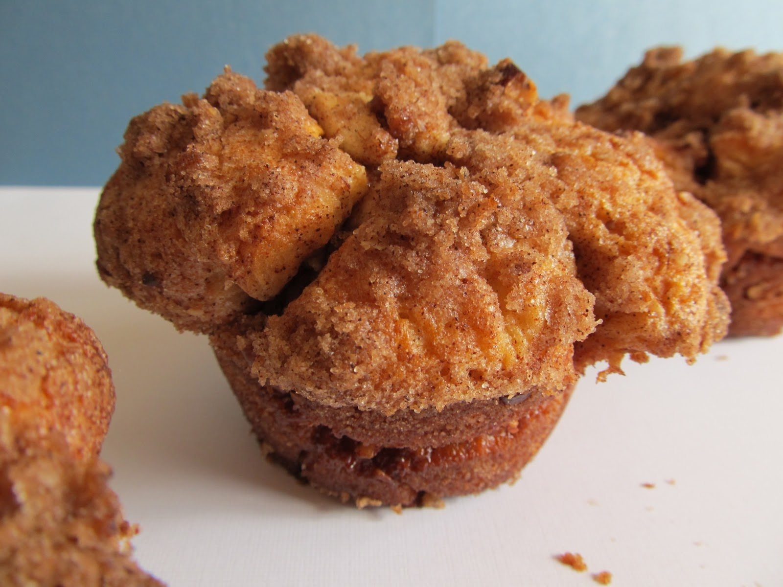 Mary Quite Contrary Bakes: Jumbo Monkey-Bread Muffins