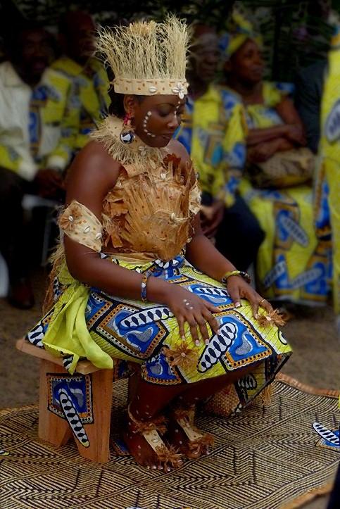 La mariée assise