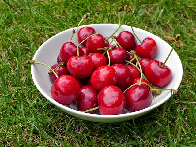 Cherries, Summer Fruit | Becky Cooks Lightly