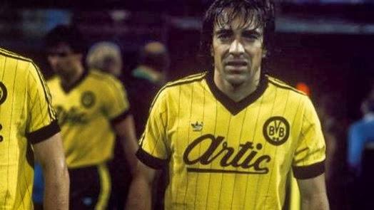 Marcel Raducanu como jugador del Borussia Dortmund