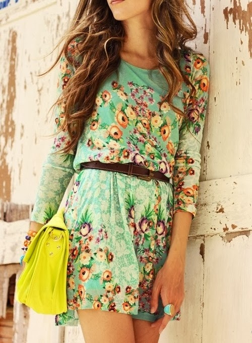 Beautiful Mini Flowery Dress And Yellow Bag, UK Fashion