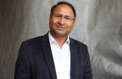Özcan Purçu, primer diputado gitano del Parlamento turco