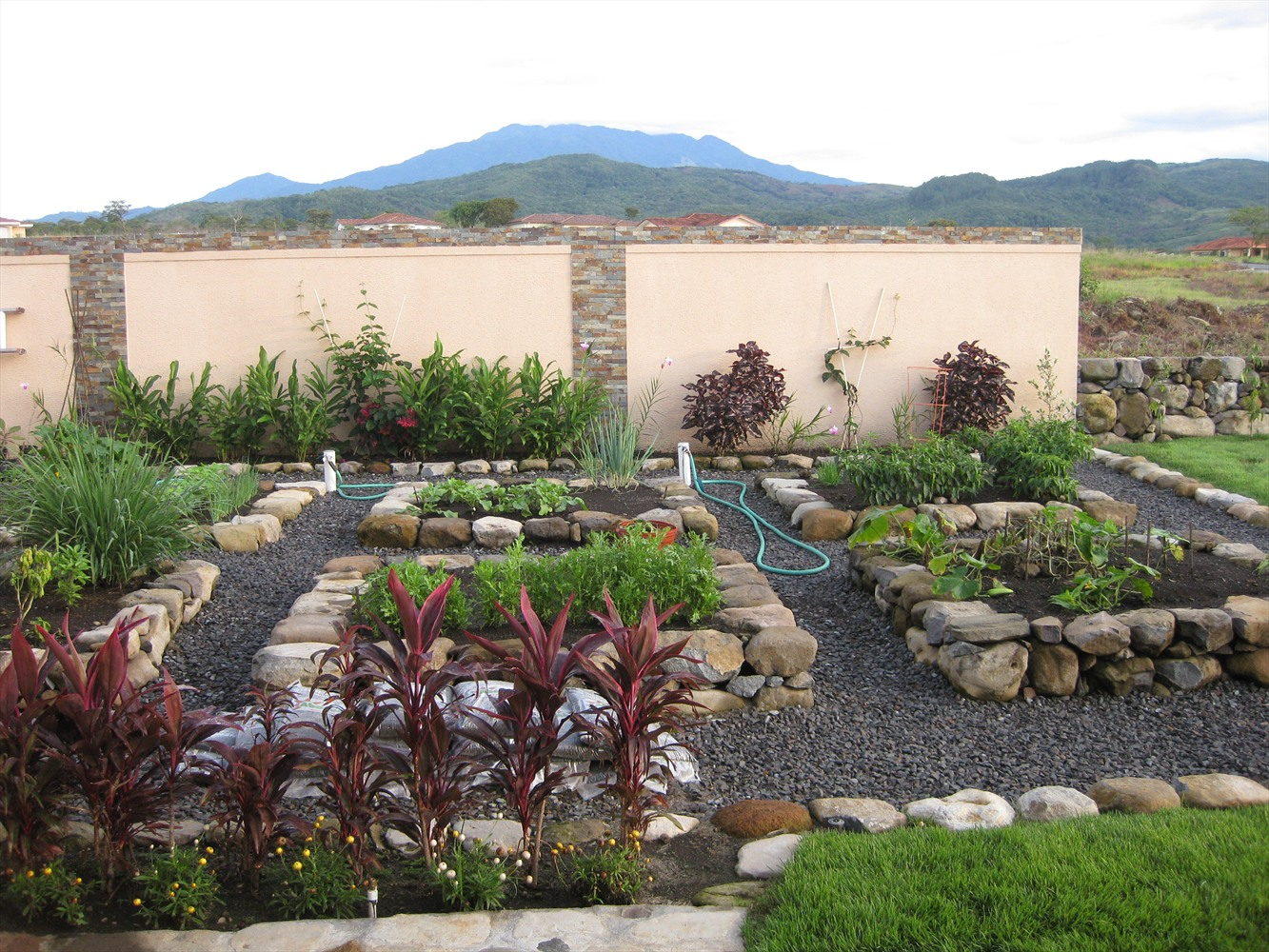 T r services s a stone vegetable patch for Garden vegetable patch