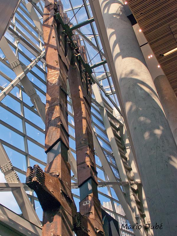 Tridents du WTC exposés au musée du 11-Septembre à New York