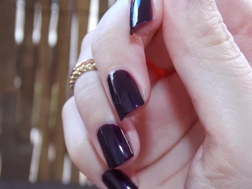 black plum polish swatchs, black plum swatchs, vernis black plum swatchs