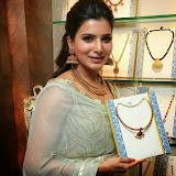 94662-samantha-at-prince-jewellery-exhibition-03