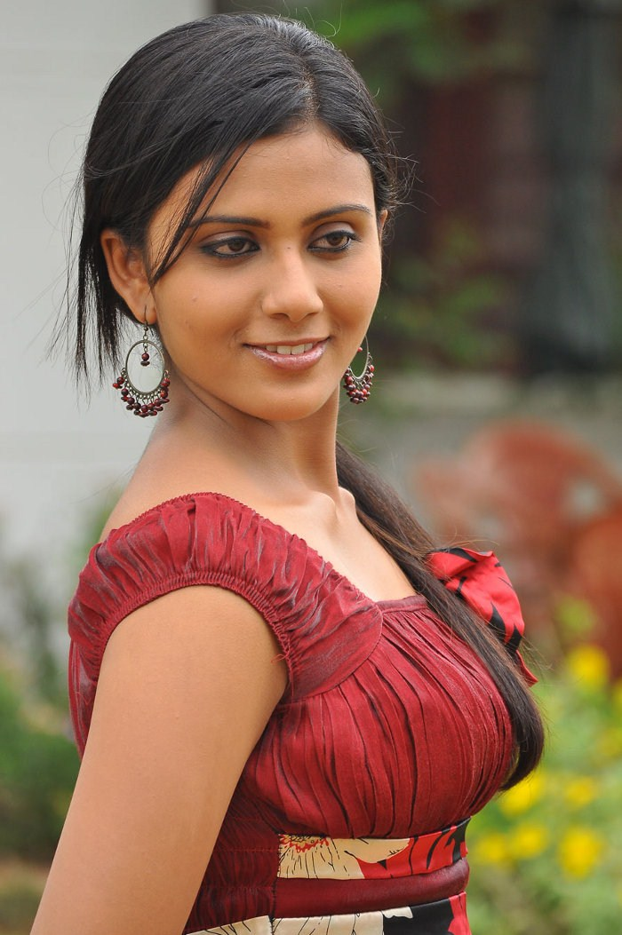 new tamil movie laila majnu pics sex t shirts