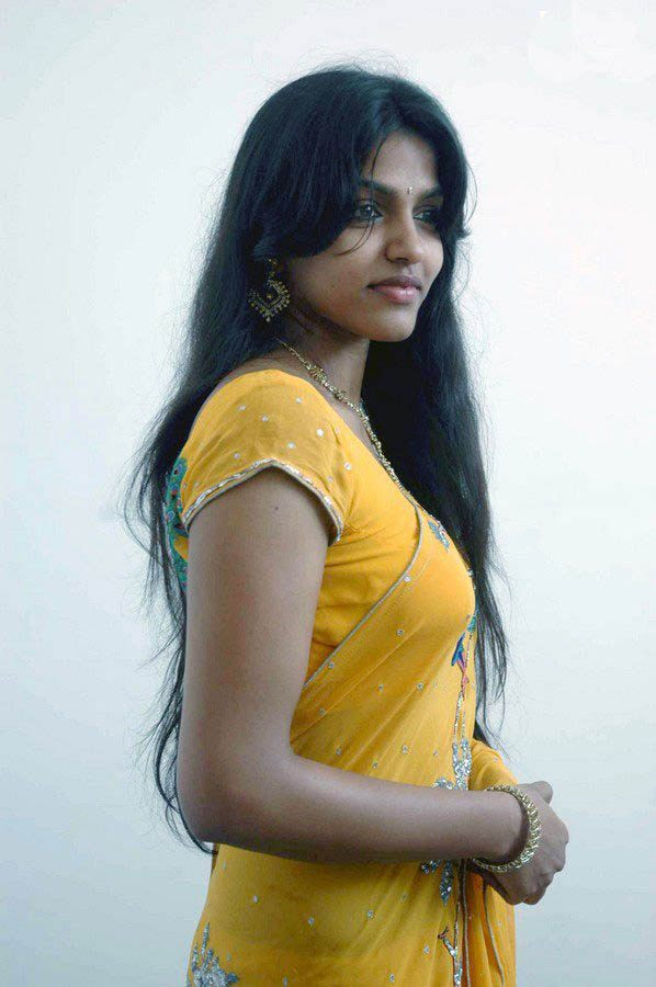 Tamil Actress Dhanshika Hot Photos