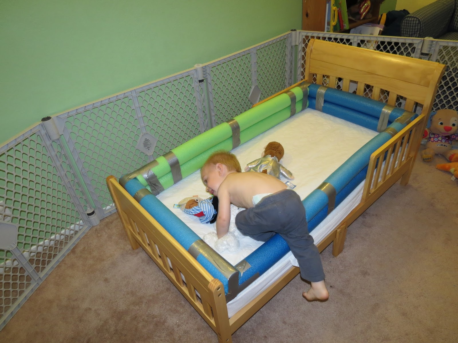 Mama Frankenstein DIY Toddler Bed Bumper Tutorial
