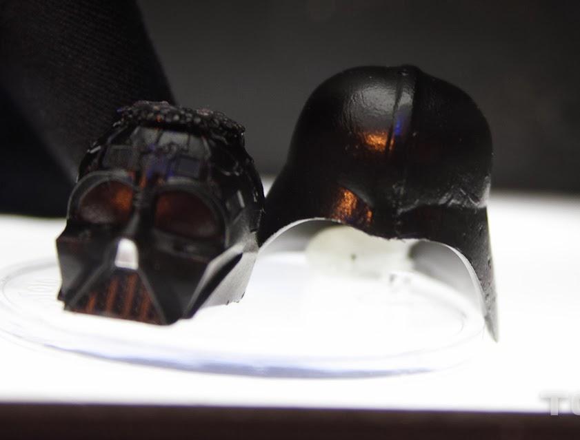 [Bandai][Tópico Oficial] S.H.Figuarts | Star Wars: The Phantom Menace - Darth Maul TOY_FAIR_2014_HASBRO_STAR_WARS_DISPLAY_6_INCH_BLACK_SERIES_EPVI_DARTH_VADER_04