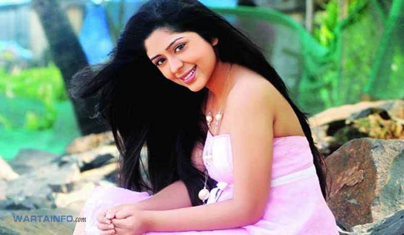 Profil Foto Hot Seksi cantik Neha Sargam Artis Pemeran Dewi Sinta di Serial Ramayana ANTV