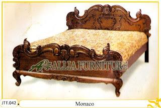 Tempat tidur kayu jati ukir jepara Monaco murah.Jakarta