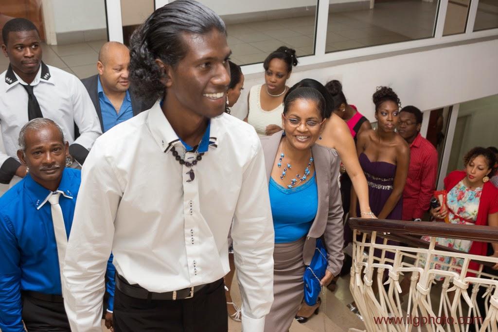 montée à la salle des mariages maire baie-mahault