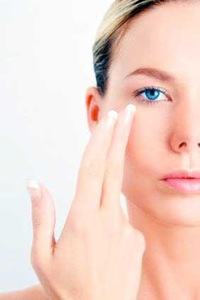 Como se librará de las arrugas en la cara alrededor de los ojos