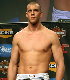 mma ufc heavyweight fighter stefan struve weigh in picture image