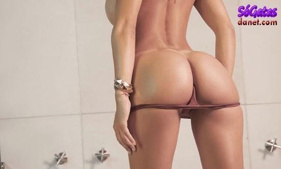 Belen Lavallen mostrando a bunda gostosa