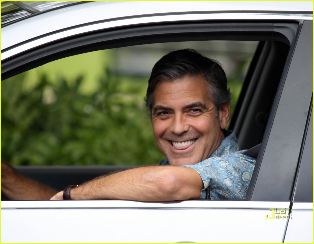 http://4.bp.blogspot.com/-WMoQmJaEPVQ/TsQDvJ-KoXI/AAAAAAAABYQ/nb5PysgWoVA/s1600/george-clooney-the-descendants-hawaii-05.jpg