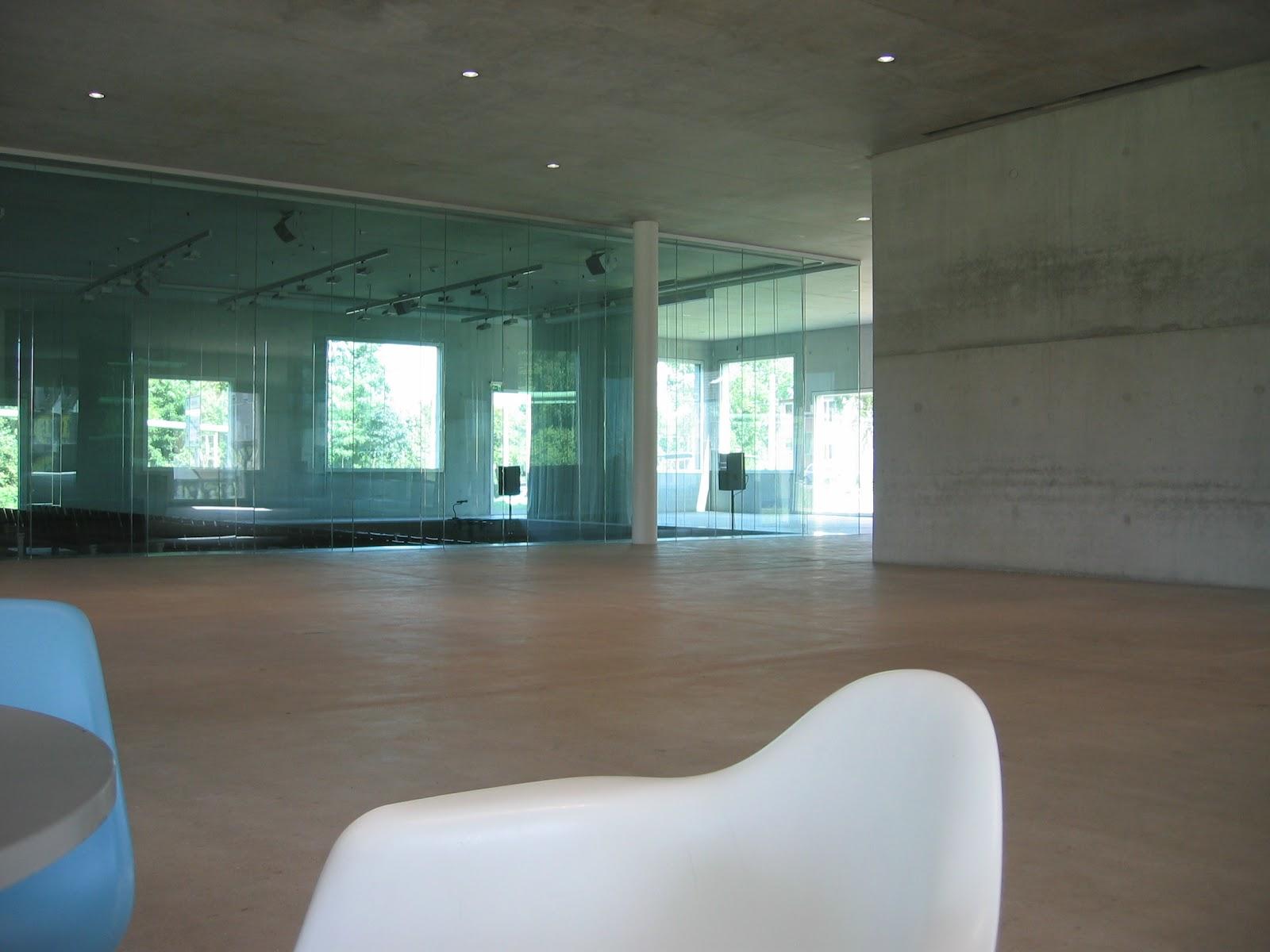 entrevoir zollverein cole de design sanaa. Black Bedroom Furniture Sets. Home Design Ideas