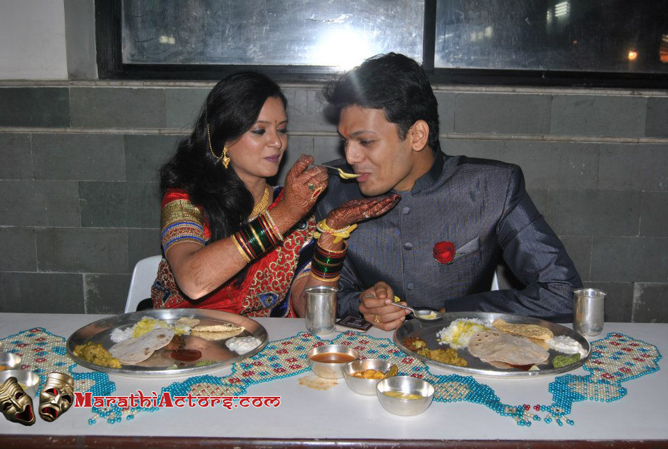 Sharvari lohkare and Sagar more wedding pics ~ Marathi Show