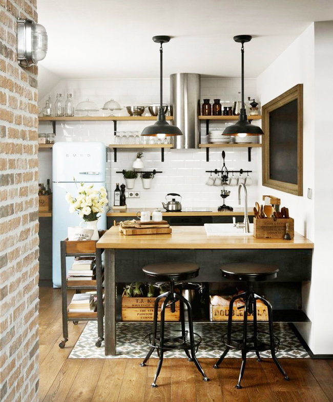 Tips deco 11 ideas para cocinas peque as tr s studio - Decoracion de interiores cocinas pequenas ...