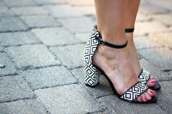 zara shoes, zara sandals, zara black and white sandals, zara black and white printed sandals, zara ankle strap sandals, zara summer 2013, zara canada, canadian fashion blogger