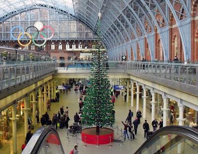 أطول شجرة كريسماس في العالم من الميكانو-منتهى