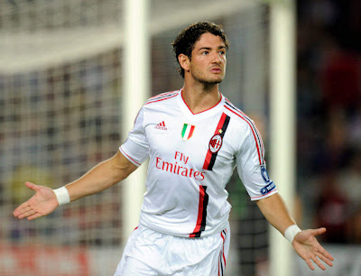 Pato A.C MILAN Goal Celebration