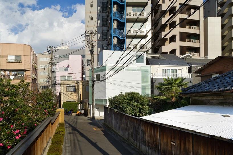 membangun-desain-bangunan-rumah-tinggal-minimalis-lahan-sempit-yoritaka hayashi-ruang dan rumahku-004