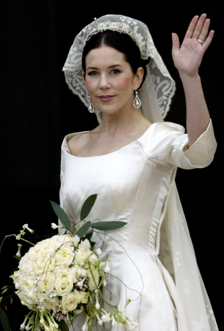 Bridal tiaras and veils - Tiara Thursday Mary S Wedding Tiara
