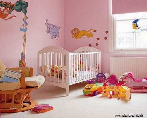 Jolie décoration pour chambre bébé fille