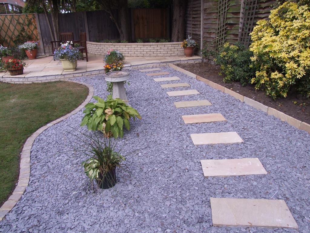 de la decoracin de jardines es que se puede hacer fcilmente y sin mucha inversin ya que se pueden encontrar materiales como en este caso las piedras