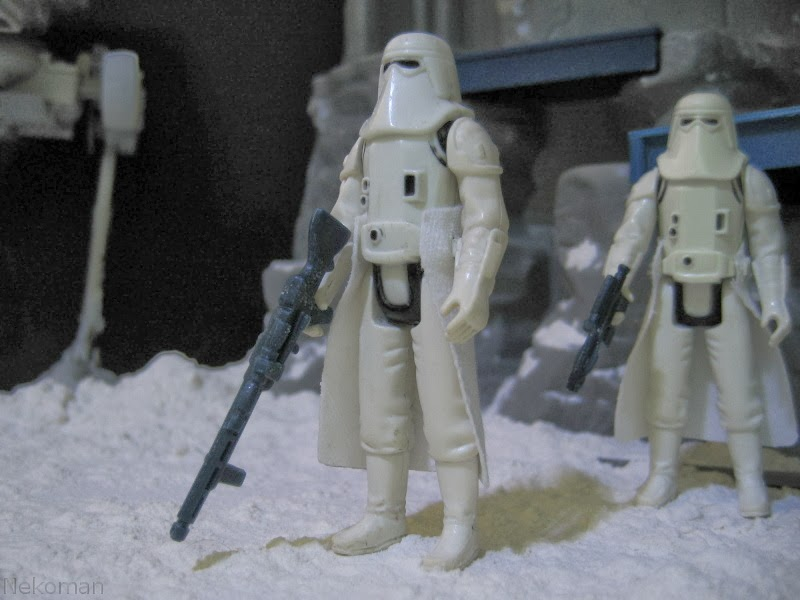 Kenner Vintage Action figure Star Wars Stormtrooper Hoth Gear Repeating Blaster Tripod Laser Cannon AT-ST Scout Walker ESB ROTJ Empire Strike Back 1980 1981 1983