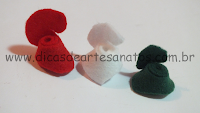 bolinhas de natal feitas de rosinhas de feltro passo a passo