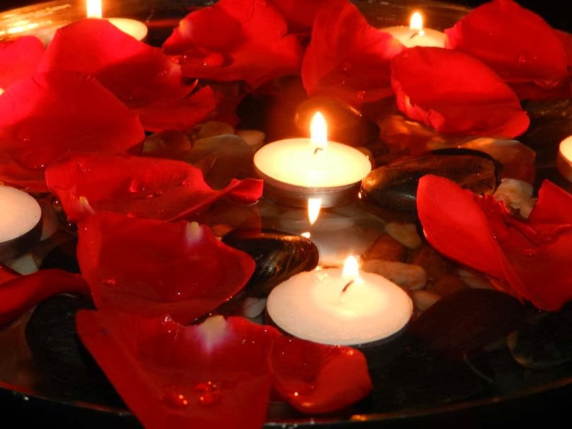 good-night-rose-candles-image