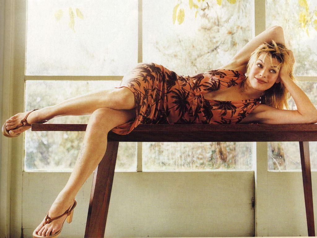 http://4.bp.blogspot.com/-WP2mqYR_Xfc/TafIWKEKdzI/AAAAAAAACtE/P_W525PRyRo/s1600/Sexy+Milla+Jovovich+Images+%25282%2529.JPG