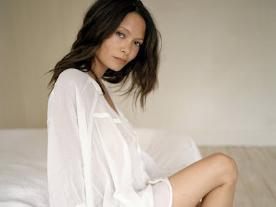 Thandie Newton Hot in White Loose Dress