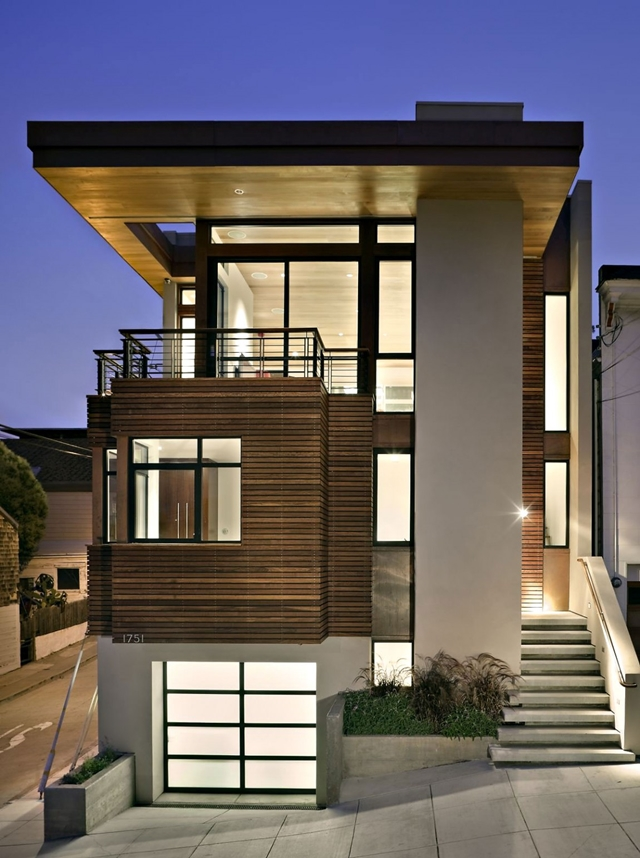 Modern vertical three story home at dust