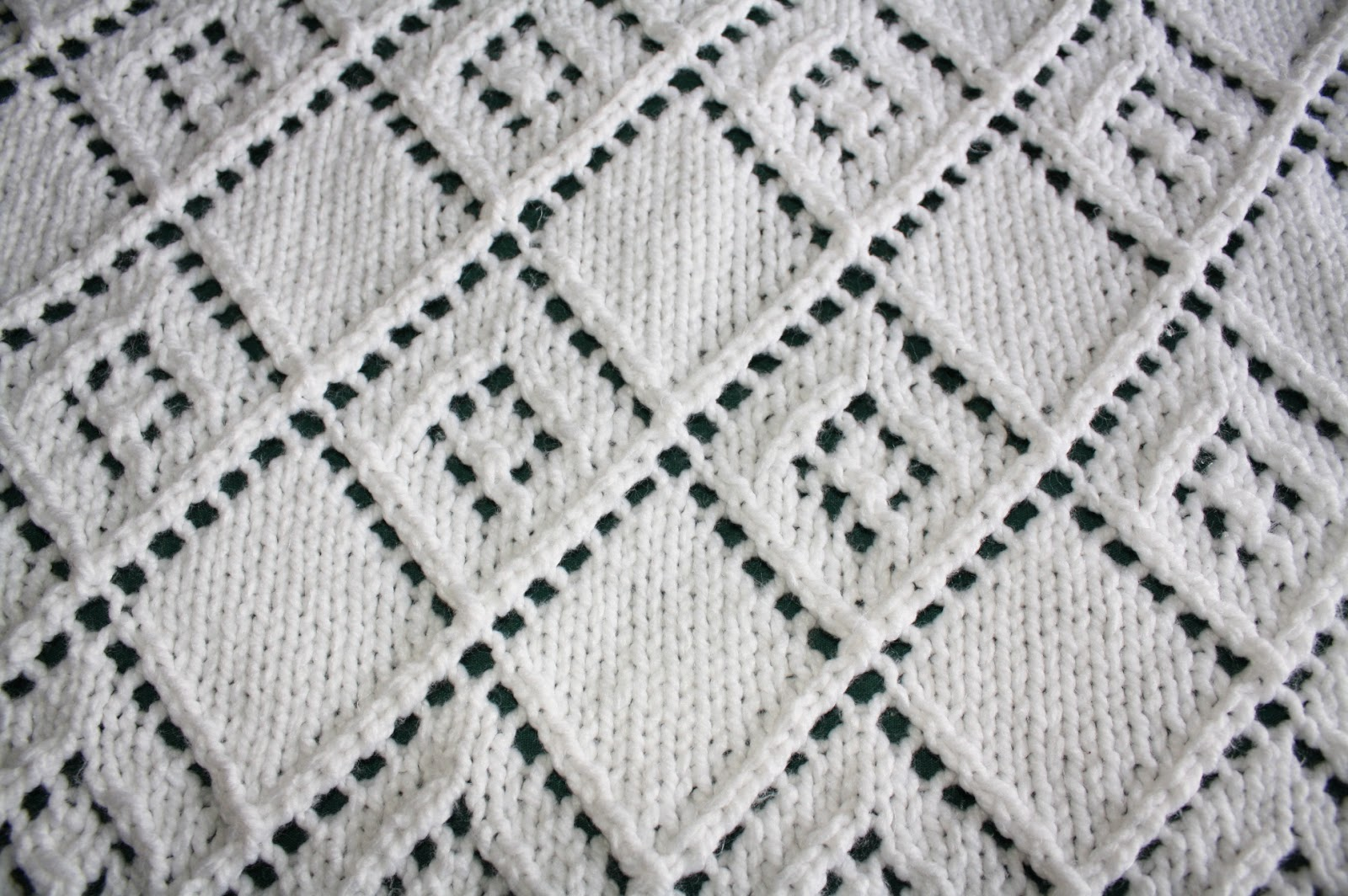KnitsByDee: Diamond Lace Panel Baby Blanket